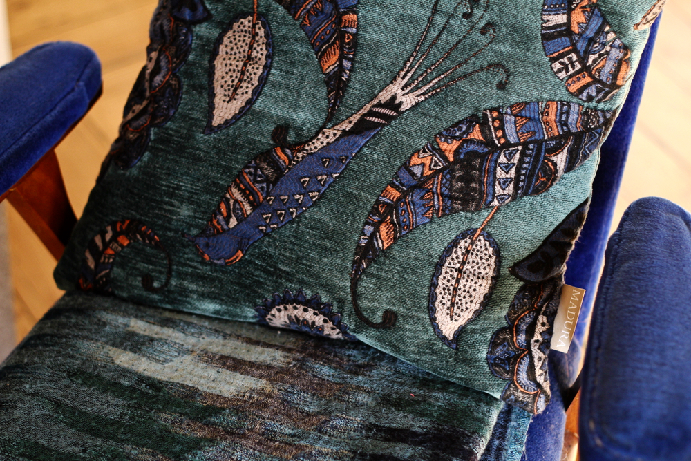 coussin housse madura georgia bleu motif pétrole oiseau