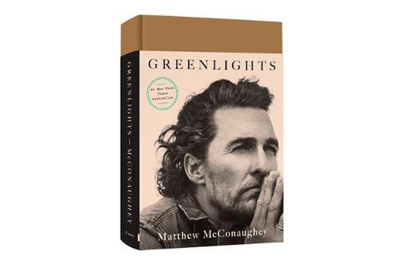 استعراض كتاب أضواء خضراء - ماثيو ماكونهي