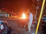(Video) Warga Bakar Motor Maling di Candipuro