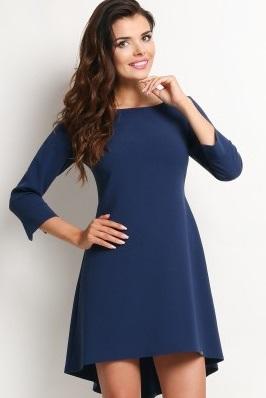 figura E sukienki