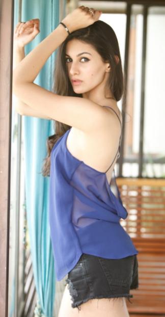 Amyra Dastur Sexy Babe's Super Hot & Spicy Portfolio Pics