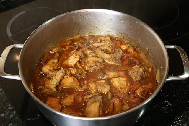 Preparación de pollo con pimientos