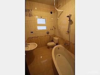 شقة للايجار بالتجمع الخامس 340 متر بفيلا على التسعين باسانسيرالقاهرة الجديدة