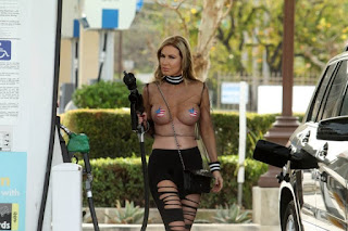 -Ana-Braga-in-a-see-through-top-and-pasties-while-getting-gas-in-Calabasas.-z7difg103p.jpg