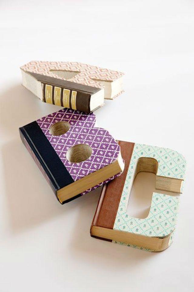 7 formas creativas de reciclar libros viejos (DIY), libros con forma de letras