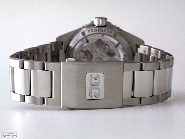Glashütte Original SeaQ Panorama Date, the folding clasp
