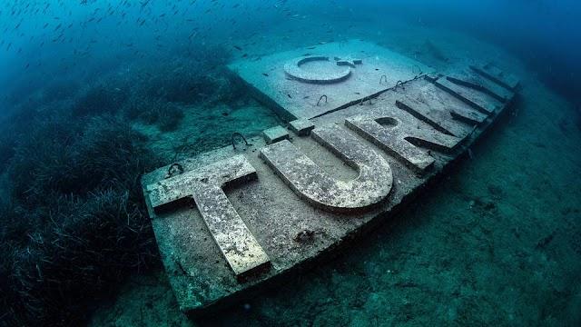 السياحة في تركيا - يضمّ متحف سيدا في مدينة أنطاليا التركية عشرات التماثيل الأسطورية في أعماق البحار