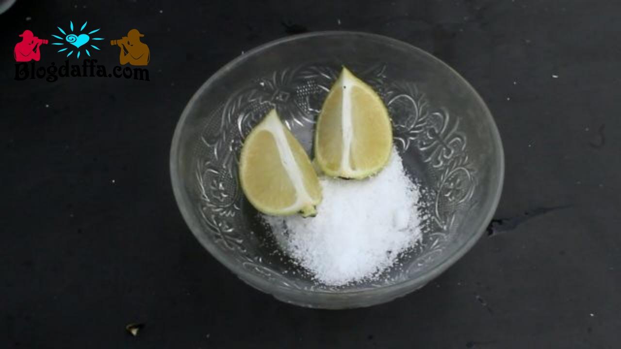 Manfaat buah lemon untuk menghilangkan noda pakaian