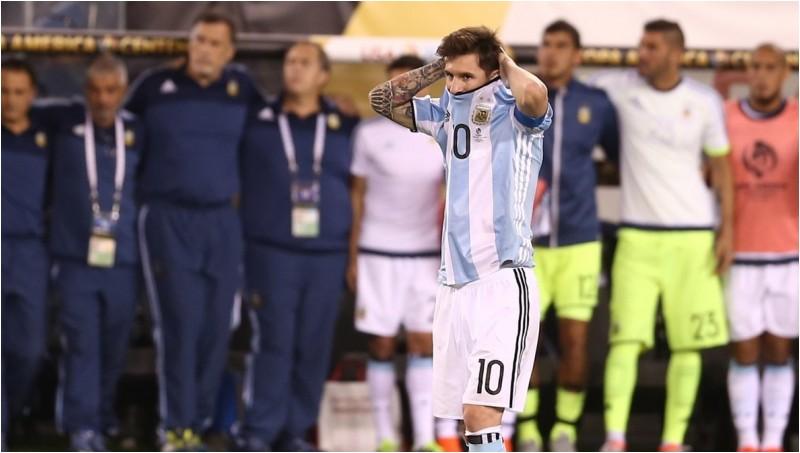 Lionel Messi memutuskan pensiun dari Timnas Argentina