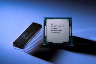انتل تحتفل 40 عاما من العمارة x86 مع الطبعة الأساسية i7-8086K