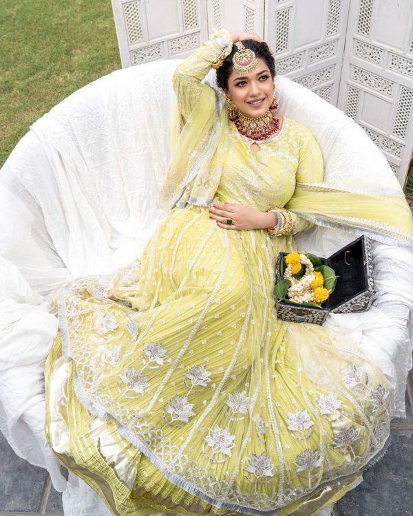 Sanam Jung Beautiful Bridal Photo Shoot