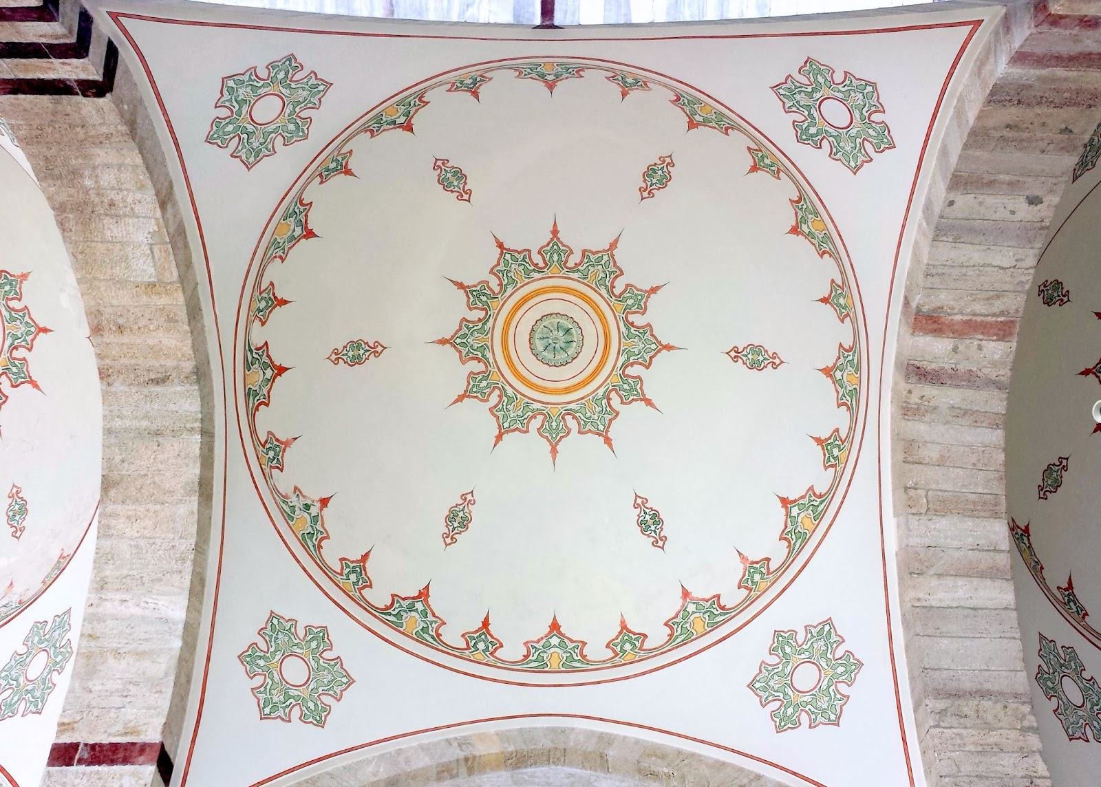 Visiting Istanbul for the first time, Fatih Mosque dome art tiles  |  Postcard from Istanbul on afeathery*nest  | http://afeatherynest.com