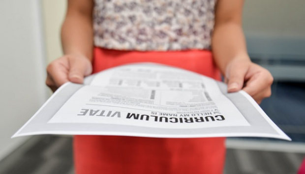 Untuk Fresh Graduate, Hindari 7 Kesalahan Menulis CV Ini