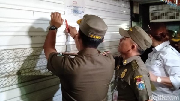 Ditutup Anies, Diskotek Golden Crown Disegel Satpol PP