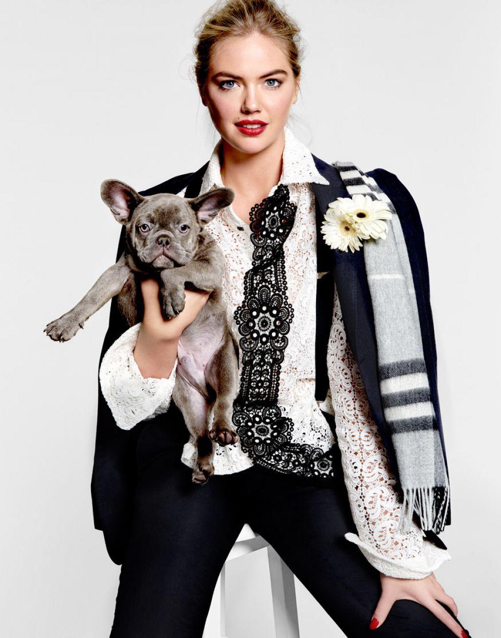 Kate Upton with dog Photo