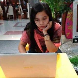 Aku mulai aktif menulis lagi di blog menggunakan laptop