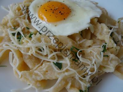 Sadzone jajka z kluseczkami