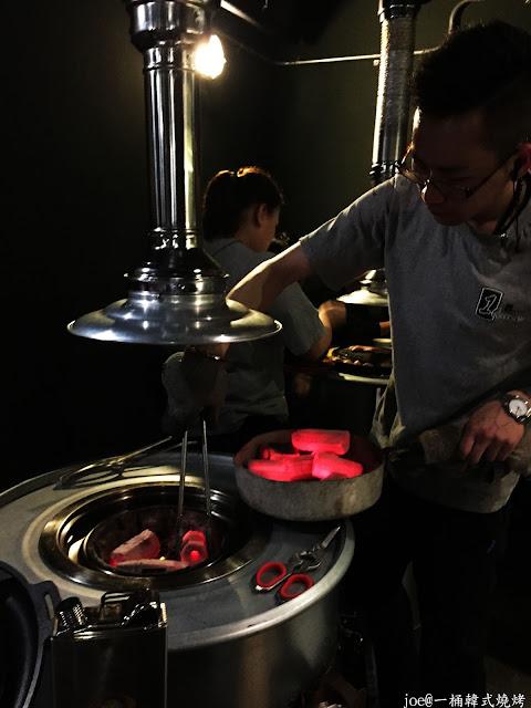 IMG 4228 - 【台中美食】好想念韓國的燒肉啊!!!『一桶韓式燒烤』讓你重溫韓國燒肉的舊夢阿!!!@一桶@韓式燒烤@油桶燒烤@烤蛋@起司@五花肉