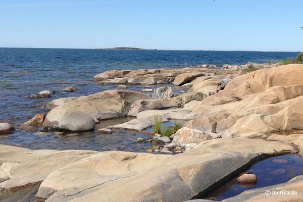 Meri ja kalliot