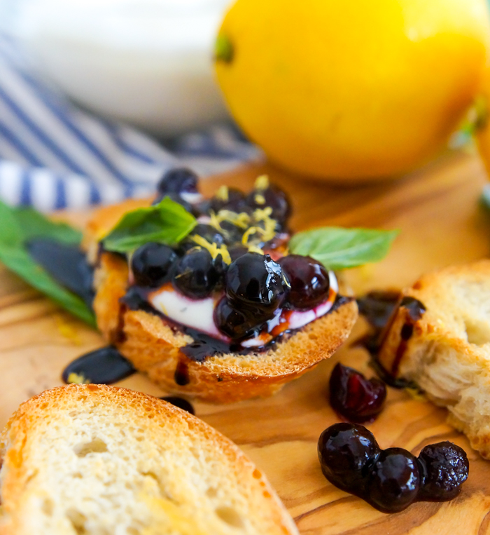 The Pioneer Woman's Goat Cheese Crostini