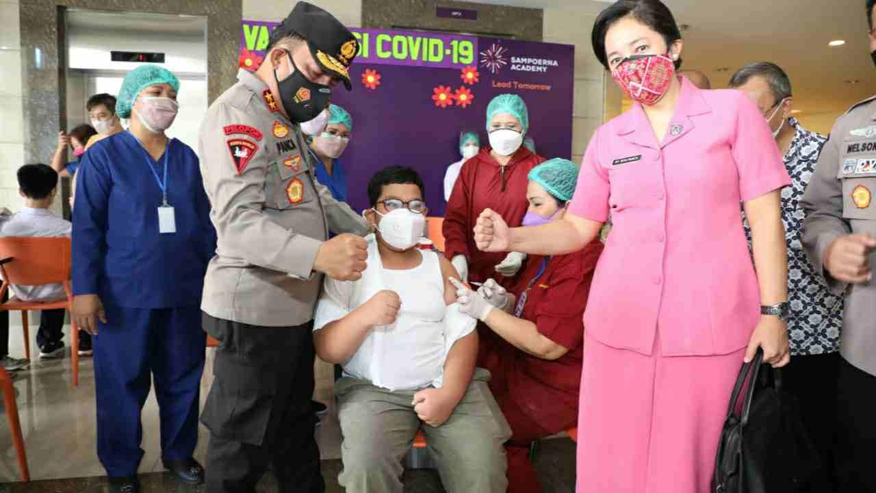Tinjau Vaksinasi Pelajar, Kapolda Sumut : Tetap Patuhi Prokes Walau Sudah di Vaksin