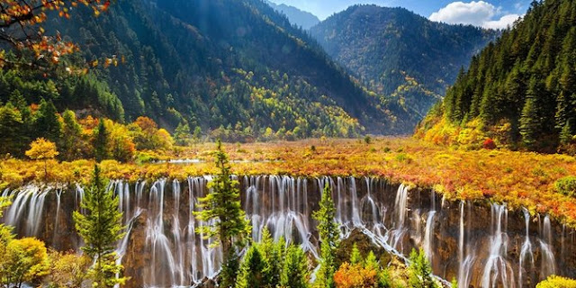 Lembah Jiuzhaigou - China