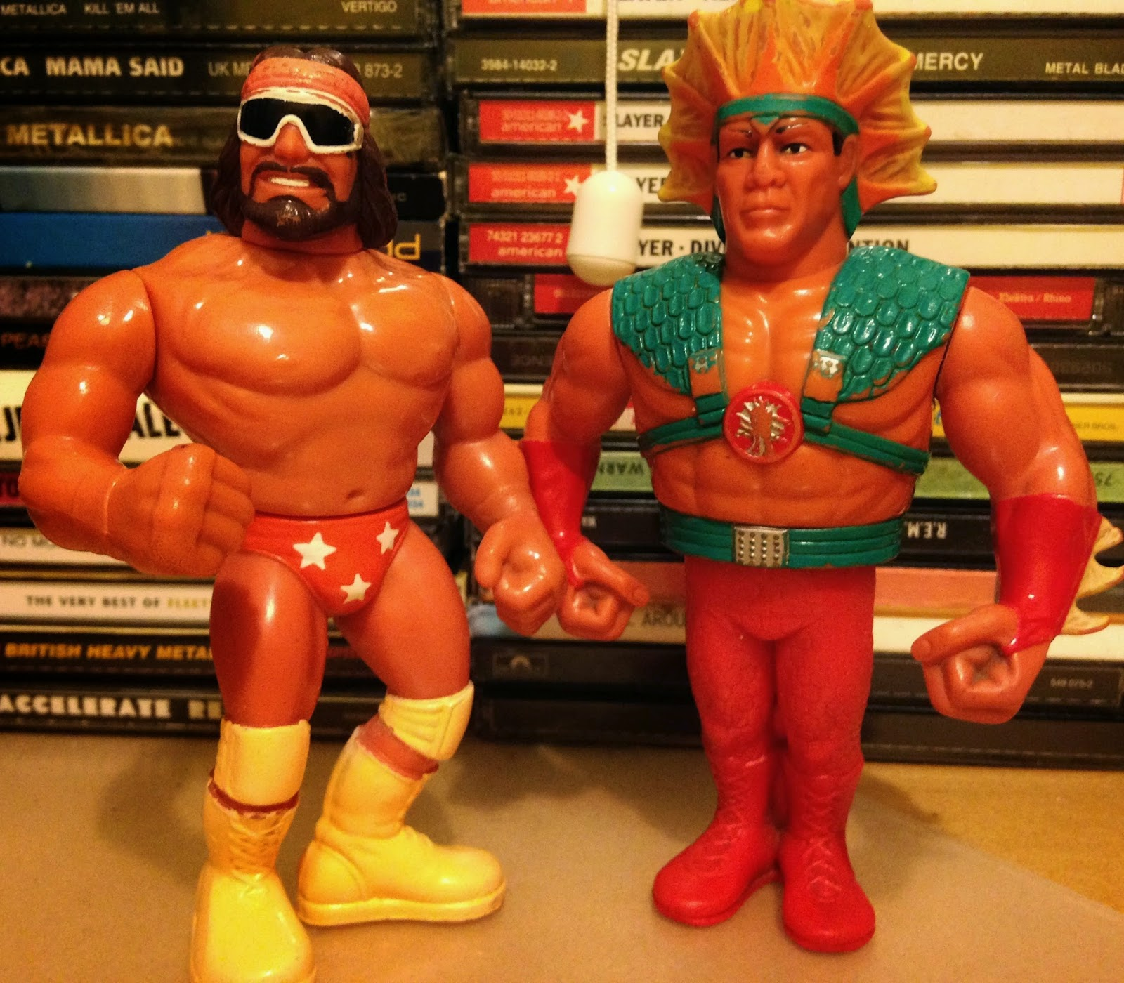 WWF / WWE - Hasbro Wrestling Figures - Macho Man Randy Savage vs. Ricky 'The Dragon' Steamboat - Wrestlemania 3