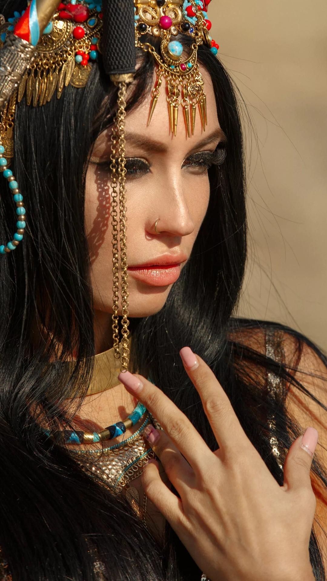 Beautiful Arab queen mobile wallpaper