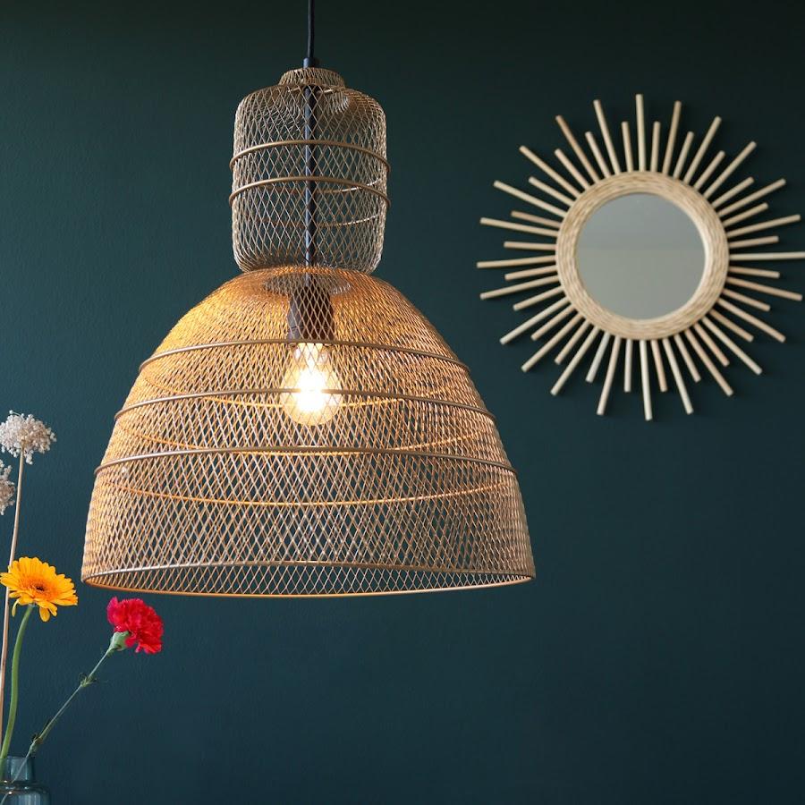 Lámpara colgante de gran tamaño con fibras naturales