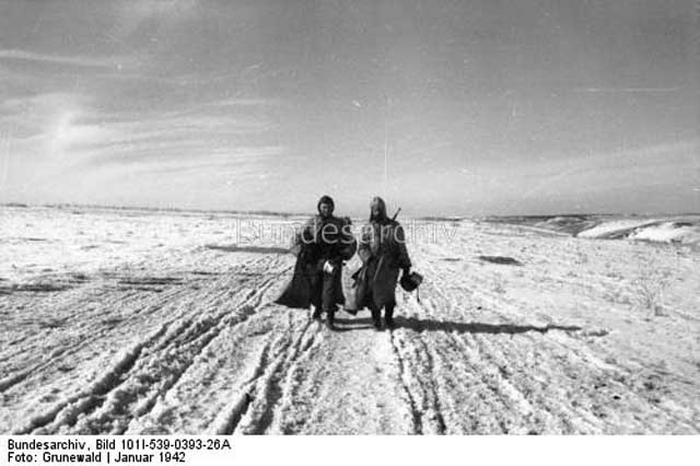 German soldiers in southern Russia, 25 January 1942 Worldwartwo.filminspector.com