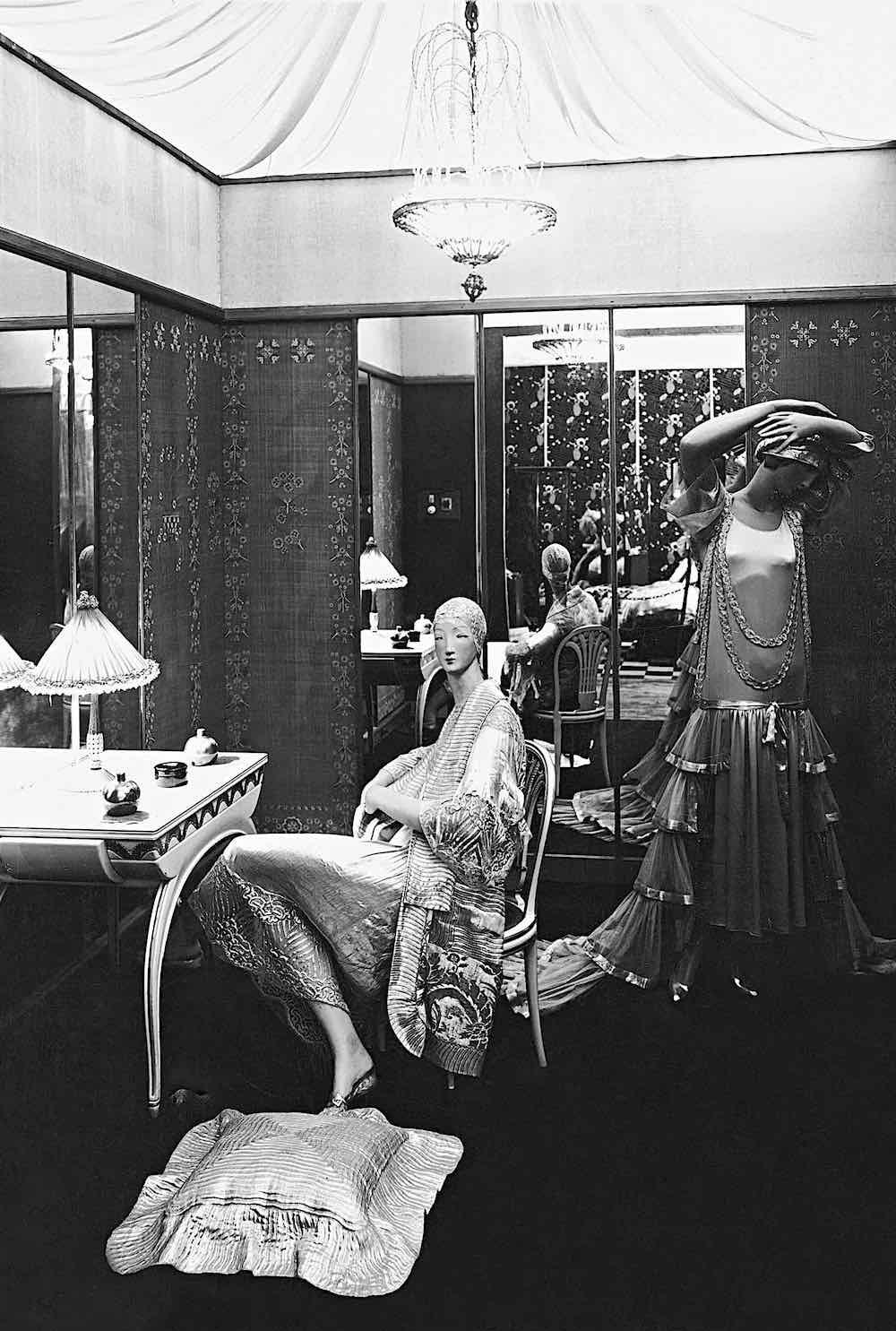 1925 Paris Industrial Arts Expo mannequins