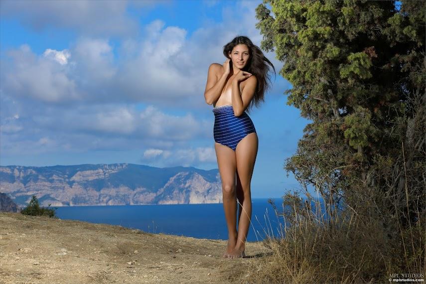 [MPLStudios] Hailey - Blue Sky sexy girls image jav