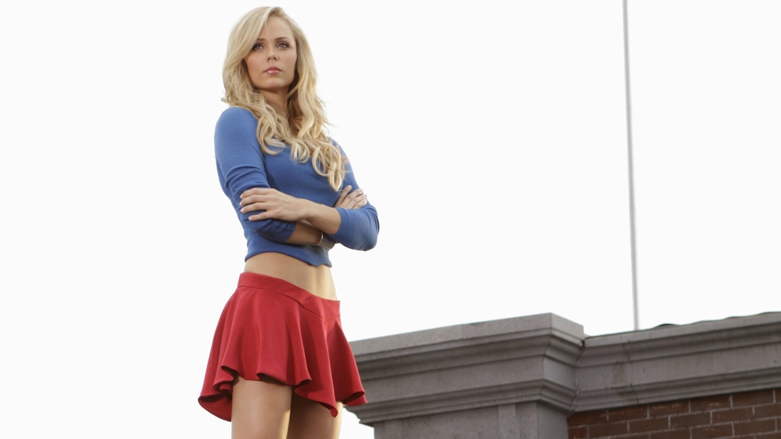 wallpaper hot di laura vandervoort nei panni di Supergirl | Laura Vandervoort supergirl wallpaper