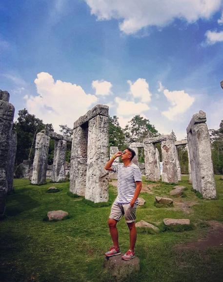 spot foto Stonehenge jogja