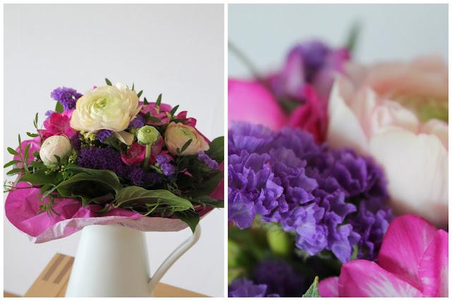 Blumen zum Muttertag fuer Flower Power Bloggers by Jules kleines Freudenhaus Ranunkeln Fresien