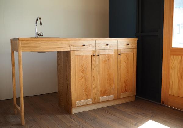 ナラ材のキッチンカウンター