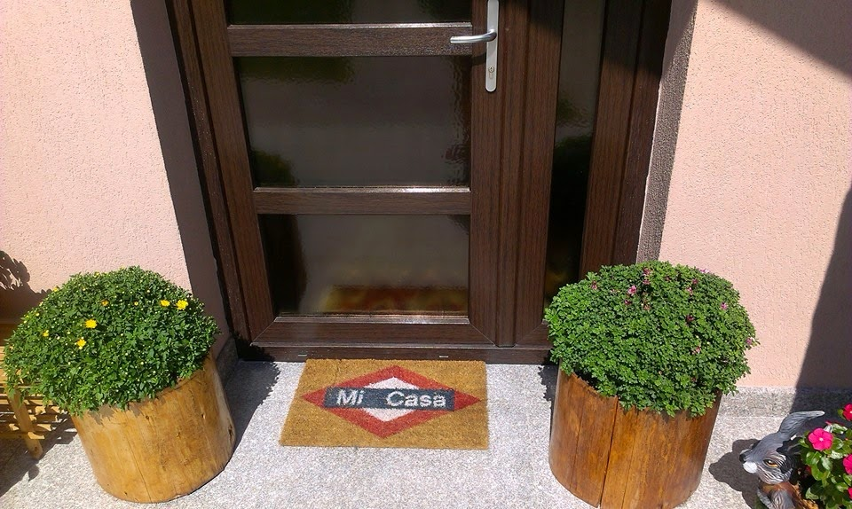 by Ozana: Front door styling for summer