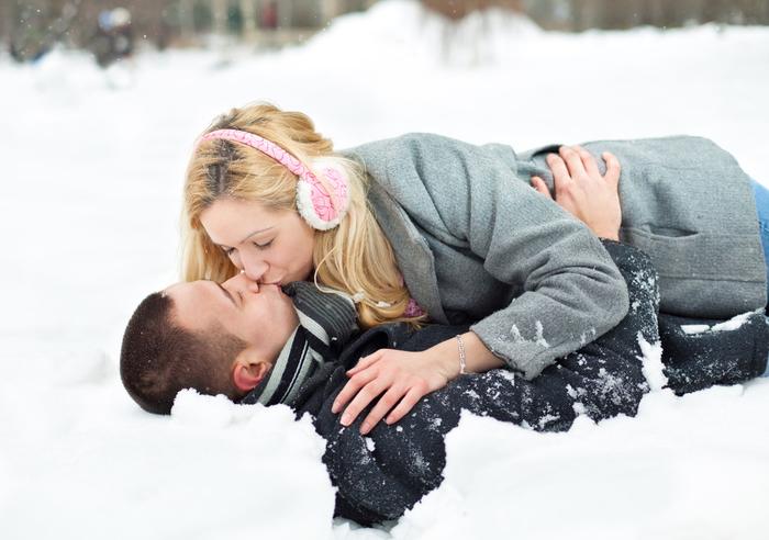 Зимние позы для секса, которые согревают...