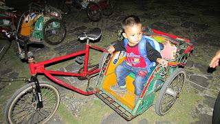 anak naik becak mini
