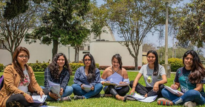 BECA 18: El 56% de primeros talentos seleccionados son mujeres, informó el PRONABEC