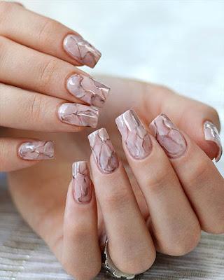 nail marble fashionable