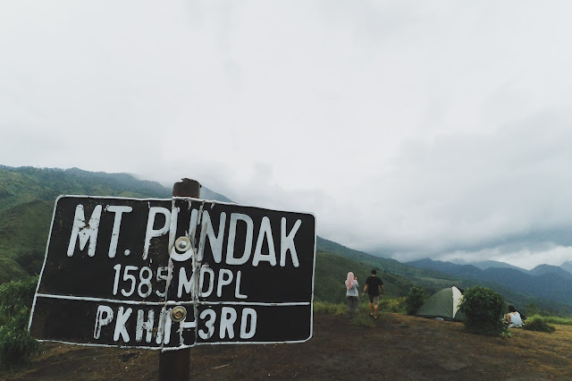 Gunung Pundak 1585 mdpl