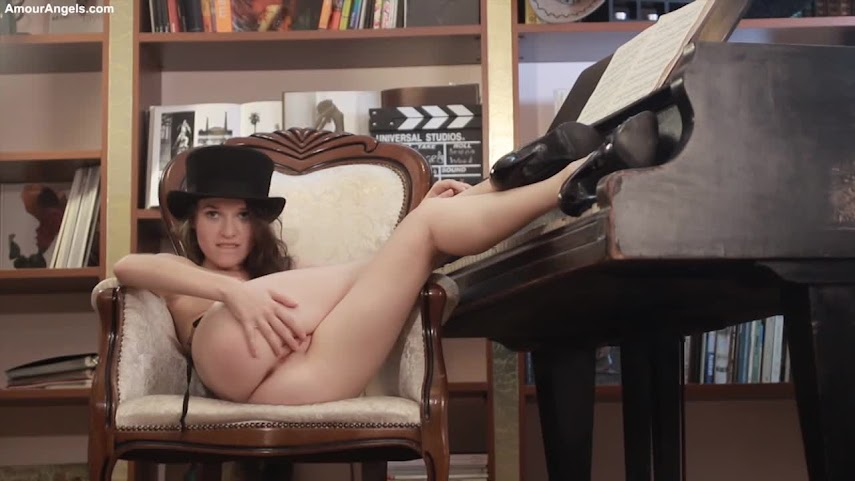 AmourAngels-SEXUAL_MOVIE-2014-09-19.mp4.5 AmourAngels SEXUAL MOVIE-2014-09-19
