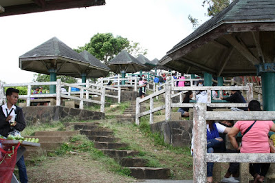 Tagaytay picnic grove cottages