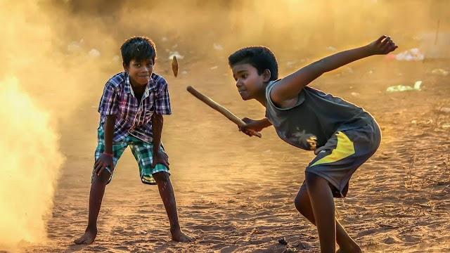 गाँव की यादो को ताजा करें Hindi Heart touching story gilly danda