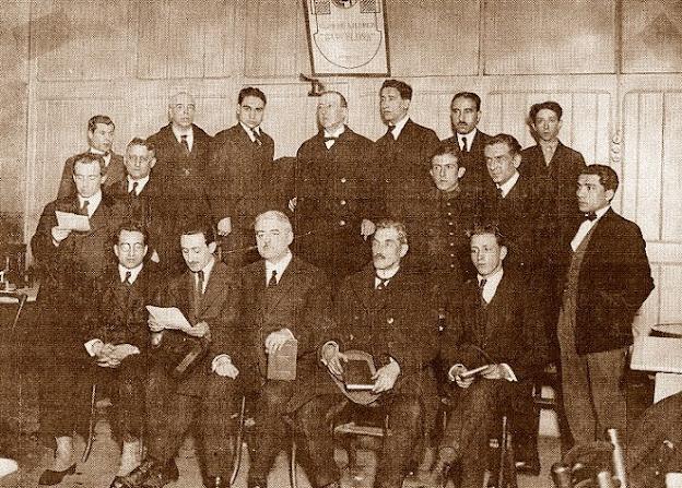 Plana mayor del Club Ajedrez Barcelona en 1923