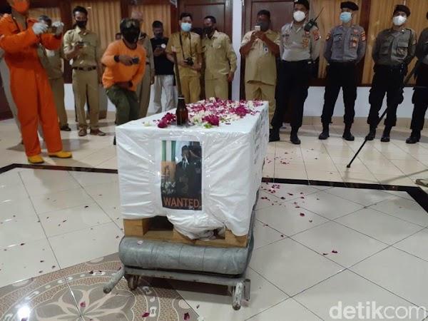 Saat Wakil Rakyat Menista Pemakaman Corona Bak Mengubur Anj*ng