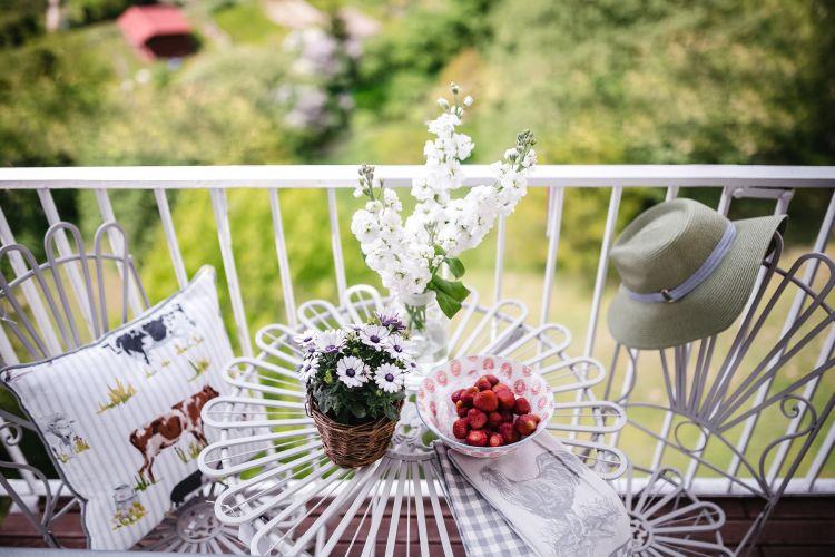 Styl rustykalny na balkonie