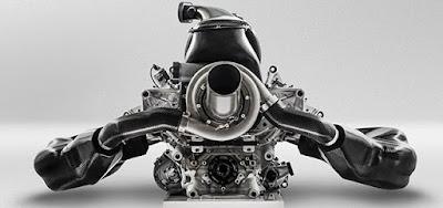 vista posteriore motore Renault F1 turbo 2014