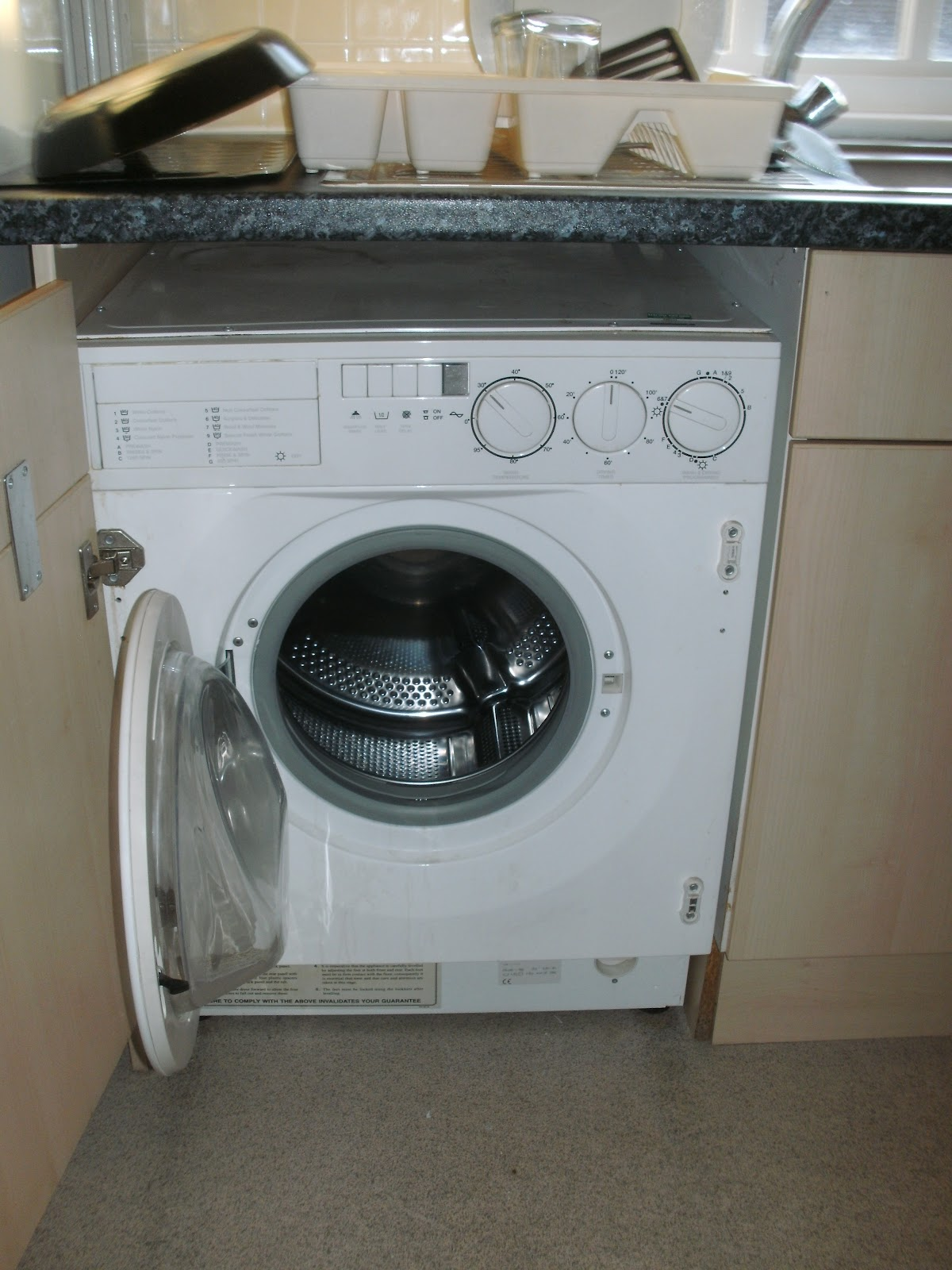 tobi allein unterwegs tobi 39 s herausforderungen in england episode 5635 w sche waschen. Black Bedroom Furniture Sets. Home Design Ideas